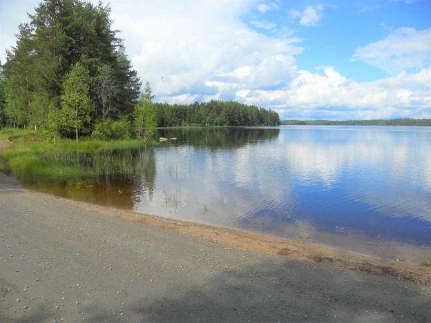 Järvi muokattu pieni