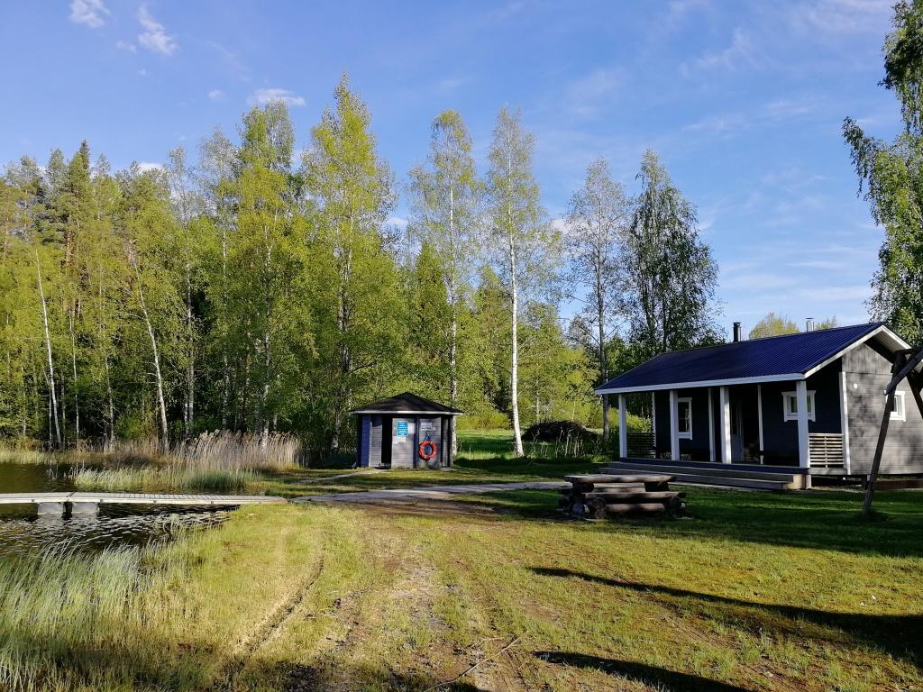 Tämän kuvan alt-attribuutti on tyhjä; Tiedoston nimi on sauna-ja-ranta.jpg